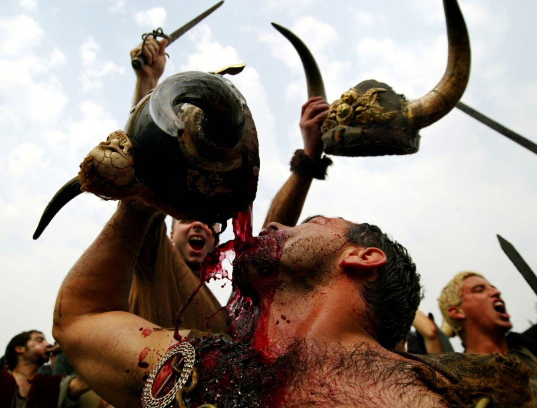 Vikingerne holdt Jol før vil holdt Jul - her er det billedet fra en fest i serien Vikings på HBO