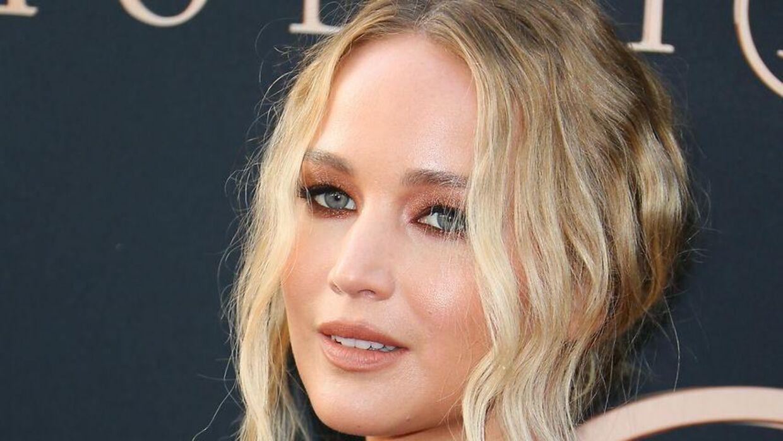 Jennifer Lawrence spiller hovedrollen i alle fire film.