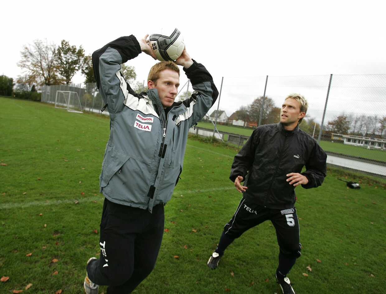 Thomas Grønnemark har i mange år trænet danske klubber i indkast - her Viborg i 2004.