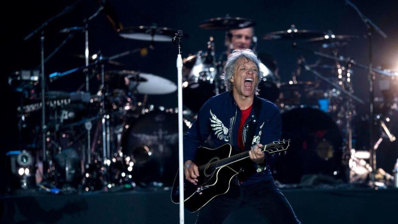 (Arkivfoto) Sanger Jon Bon Jovi på scenen med bandet Bon Jovi under en koncert i Rio de Janeiro.
