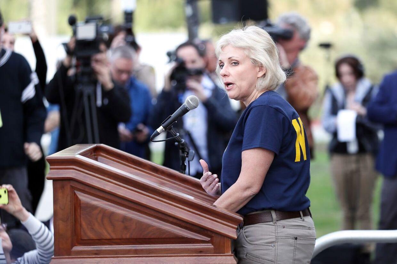Jennifer Homendy fra den amerikanske haverikommission orienterede pressen om de foreløbige undersøgelser af styrtet natten til tirsdag dansk tid.