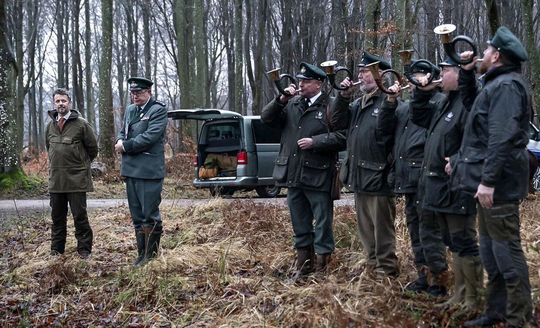 Inden jagten forklarede både kronprins Frederik og kgl. Jægermester Jens Bjerregaard Christensen reglerne.