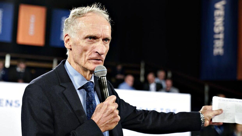 Bertel Haarder synger for ved Venstres landsmøde i Herning Kongrescenter, søndag den 17. november 2019.. (Foto: Henning Bagger/Ritzau Scanpix)