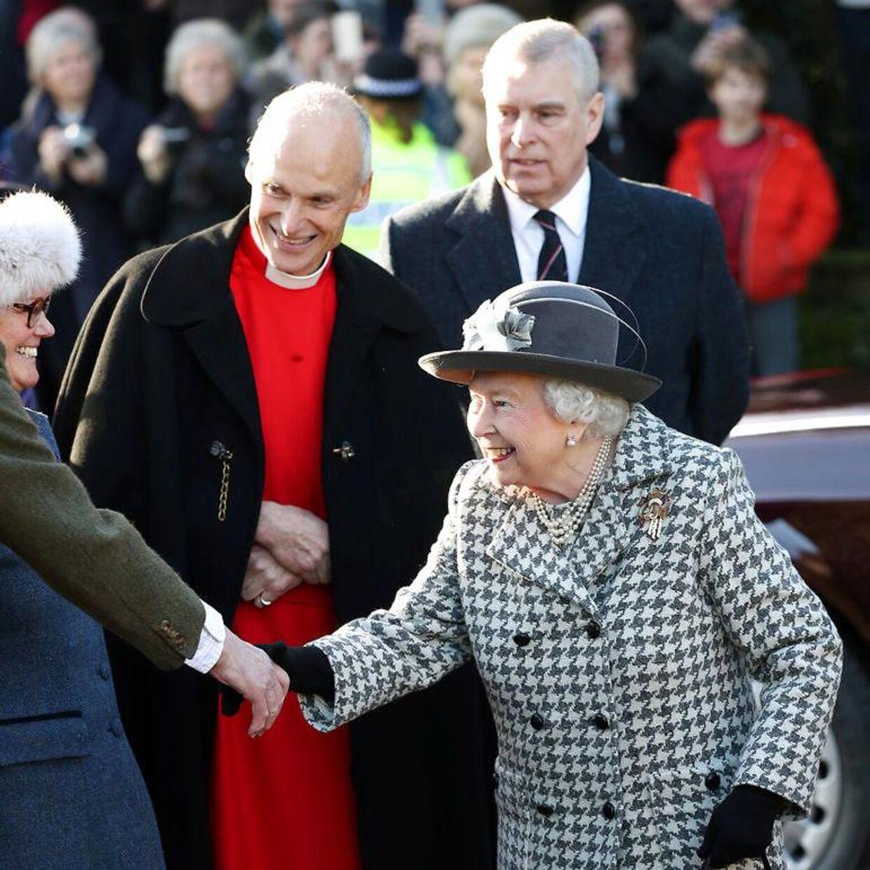 Søndag i sidste uge viste den britiske prins Andrew sig for første gang offentligt siden sit katastrofale interview med BBC. Det skete, da han sammen med sin mor, dronning Elizabeth, deltog i en gudstjeneste nær Sandringham.