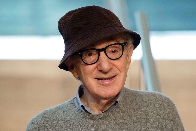 Woody Allen er for mange en skurk der har opført sig umoralsk, men han er samtidig også en fintfølende kunstner der har gavmildt har delt ud af sin livsklogskab.