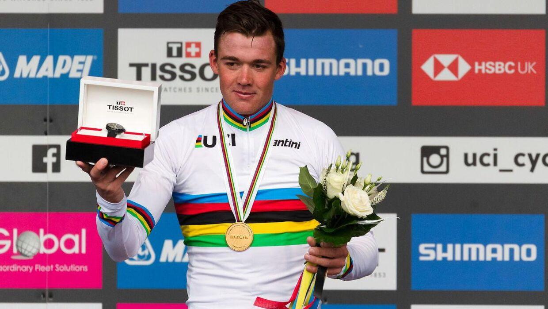 Mads Pedersen i øjeblikket efter, VM-guldet kom i hus.