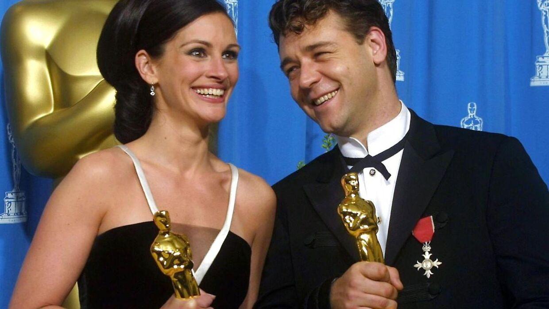 Russell Crowe og Julia Roberts vandt begge priser for bedste skuespiller i 2001.