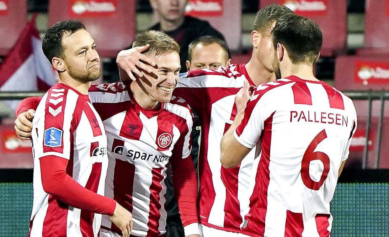 AaB's Tom van Weert har scoret til 3-0 i Superligakampen mellem AaB og AC Horsens søndag 24. november 2019.