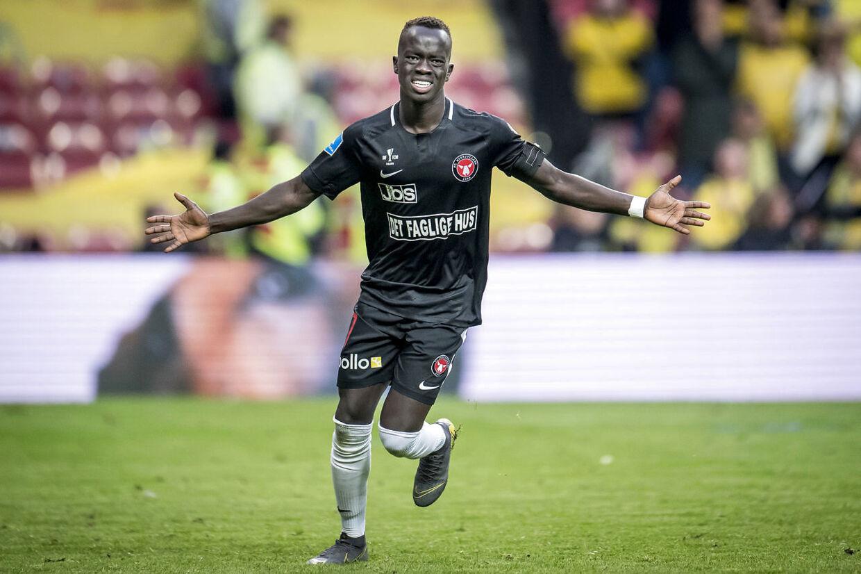 Wwer Mabil scorede to gange, da FC Midtjylland besejrede kinesisk hold 6-0 i træningskamp.