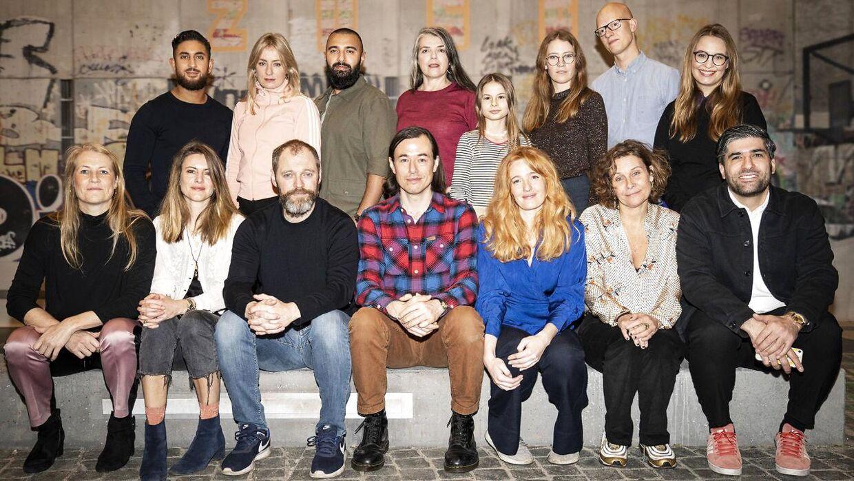 De medvirkende, tekstforfattere, instruktør og dramachef for DR i den nye dramaserie 'Når støvet har lagt sig'.