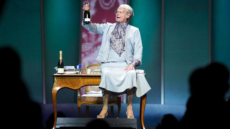 Ulf Pilgaard - her i rollen som dronning Margrethe - tager i år sin sidste tørn i Cirkusrevyen efter 40 sæsoner.