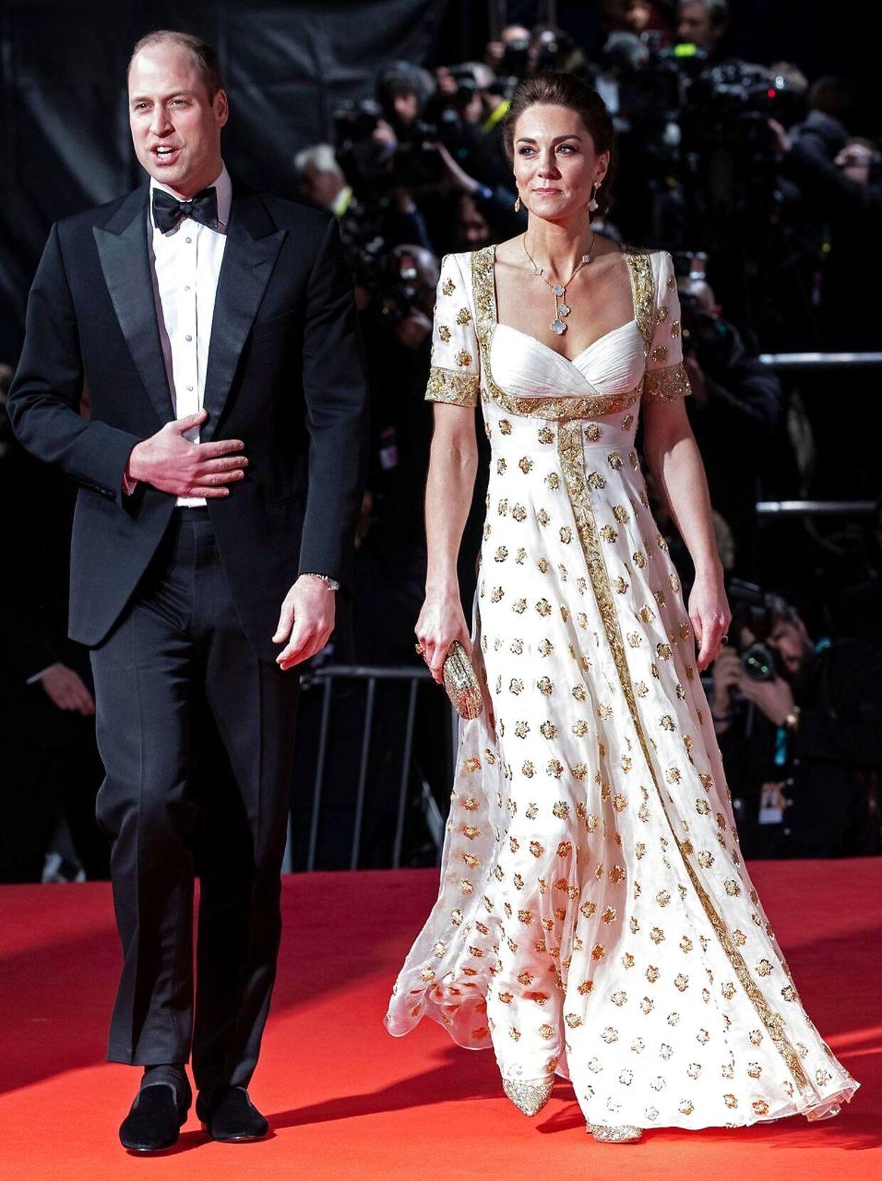 Denne smukke kjole, som Kate bar i begyndelsen af februar er også fra Alexander McQueen.