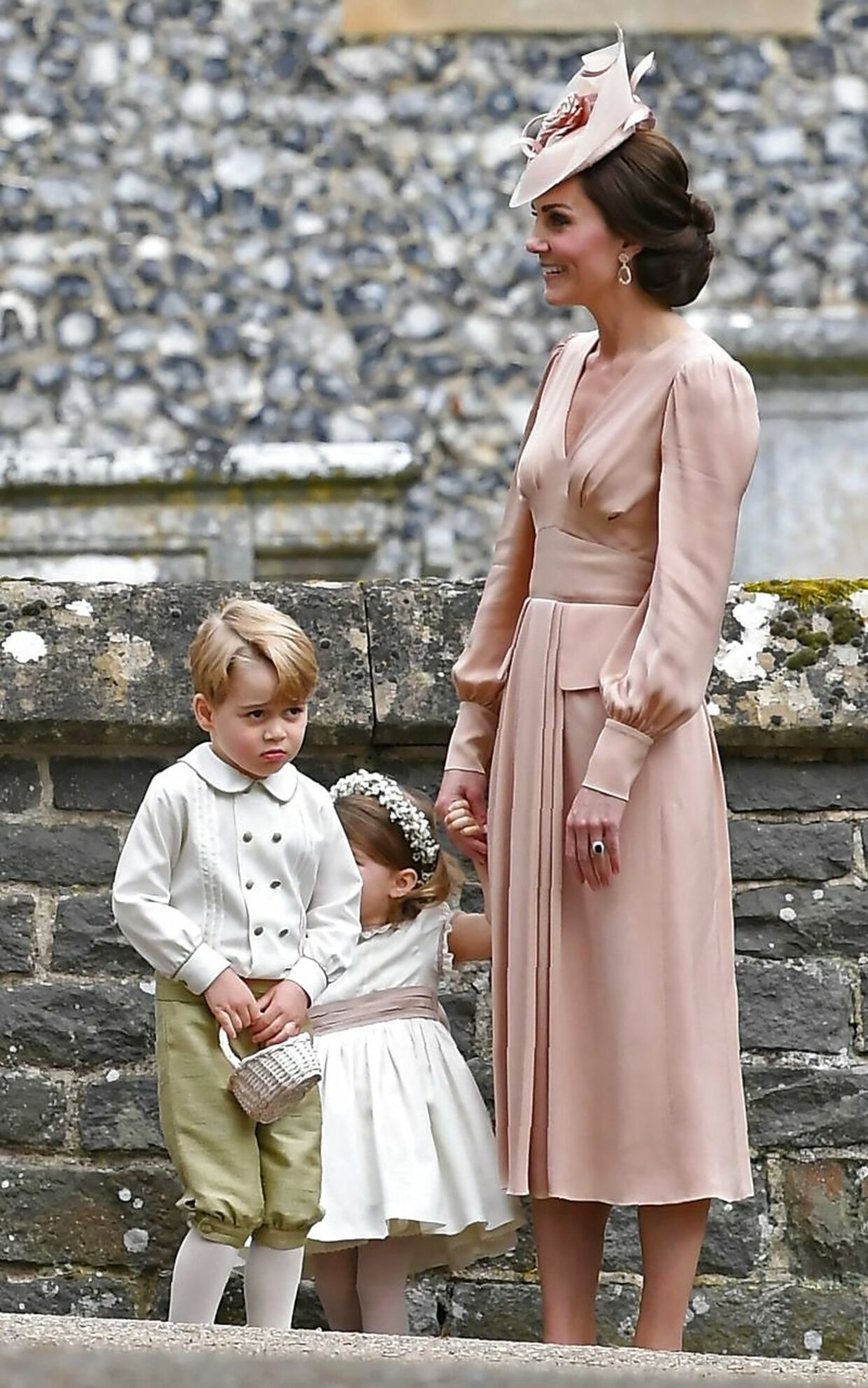Også ved sin søster Pippas bryllup, trak hertuginde Kate i en kjole fra Alexander McQueen.