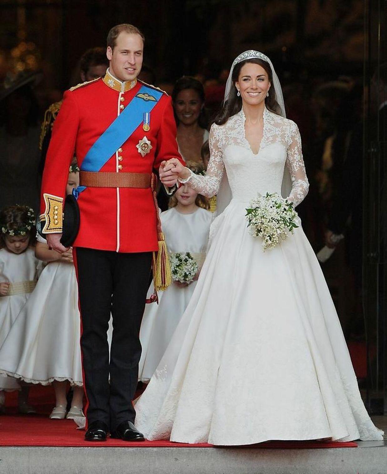 Mange husker nok herutginde Kates flotte bryllupskjole, som var designet af Alexander McQueen.