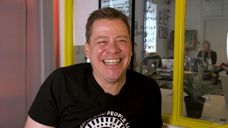 Indehaver Lars Carlsen har startet bryggeriet People Like Us for at brygge gode øl og skabe arbejde til mennekser på kanten af samfundet. Foto: Mathias Røn Poulsen