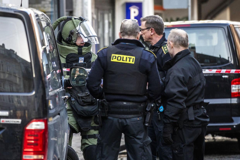 Københavns Politi undersøger mistænkeligt forhold ved virksomhed i Adelgade i København torsdag den 13. februar 2020.. (Foto: Ólafur Steinar Rye Gestsson/Ritzau Scanpix)