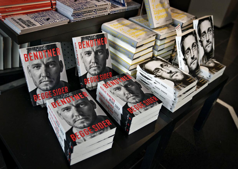 Nicklas Bendtner selvbiografi, 'Begge Sider'.