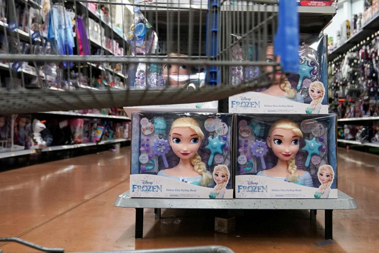 Dukker baseret på figurerne i Disney-filmen Frost 2  kom ud i butikkerne i fjerde kvartal, og det satte salget af Barbie-dukker under pres. (Arkivfoto). Sarah Silbiger/Reuters