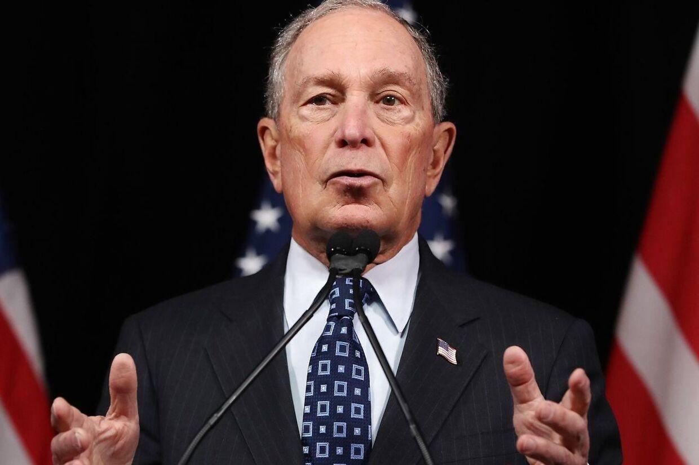 Michael Bloomberg betaler sine medarbejdere godt. Og så er hans 'I Like Mike'-T-shirts gratis.