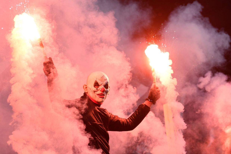 Det endte fredag voldeligt på Millerntor-Stadion i Hamburg, efter at St. Pauli og Dynamo Dresden havde spillet uafgjort. (Arkivfoto) Fabian Bimmer/Reuters