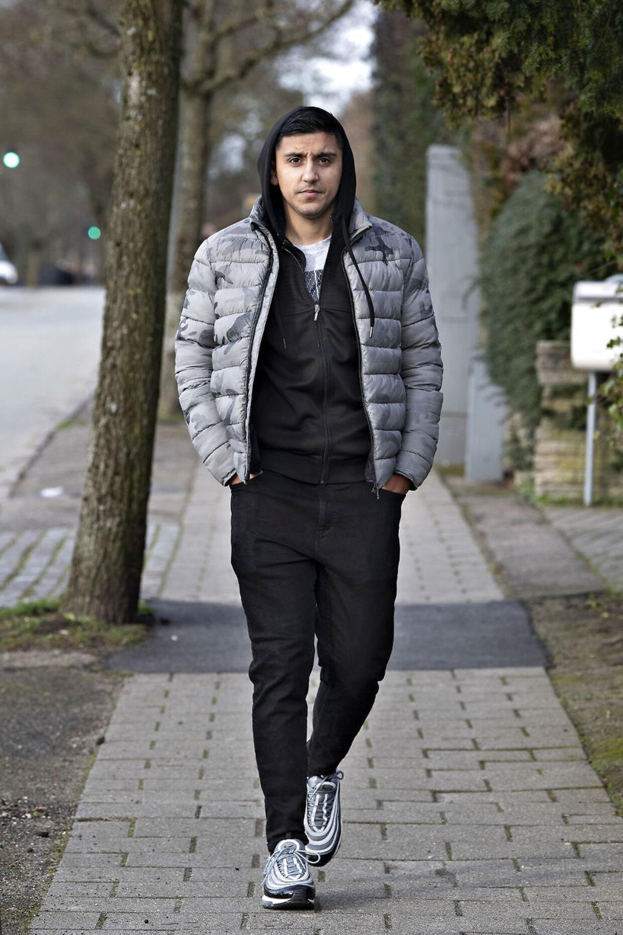 Den tidligere Superliga-spiller Adnan Mohammad taler ud om sin spillegæld.