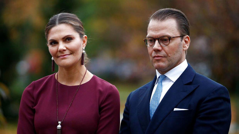 Kronprinsesse Victoria er gift med prins Daniel - sammen har de to børn.