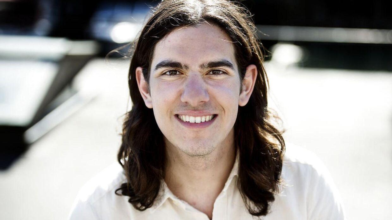 Den studerende Jens Philip Yazdani mener, at SU'en bør sættes op til det dobbelte.