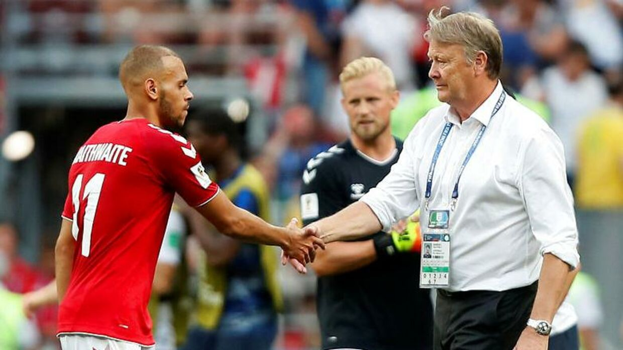 Soccer Football - World Cup - Group C - Denmark vs France - Luzhniki Stadium, Moscow, Russia - June 26, 2018 Denmark's Martin Braithwaite shakes hands with coach Age Hareide after the match REUTERS/Maxim Shemetov