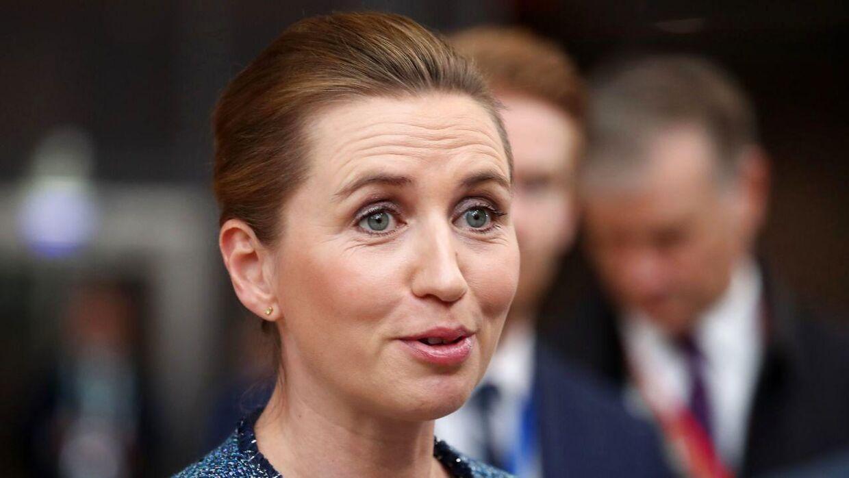 Mette Frederiksen gav en orientering til den danske presse om budgetforhandlingerne i Bruxelles.