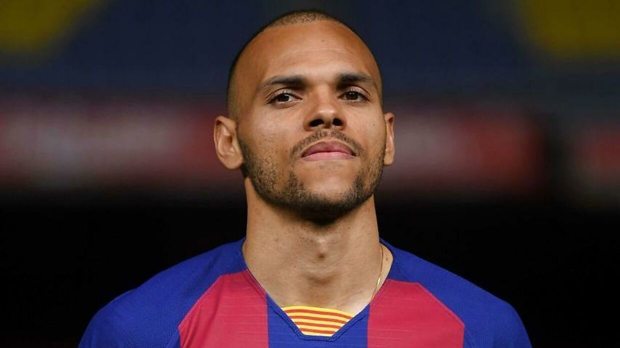 Barcelona's Danish striker Martin Braithwaite poses during his official presentation at the Camp Nou stadium in Barcelona on February 20, 2020. (Photo by Josep LAGO / AFP)