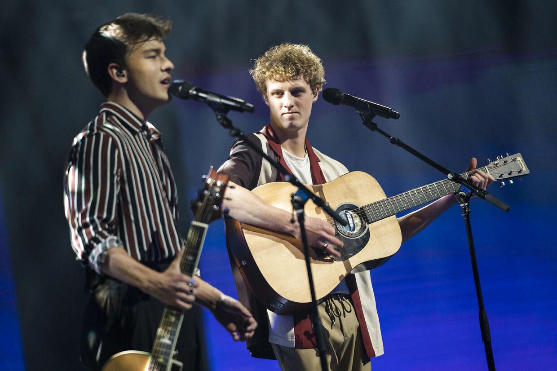 """send2net Magnus & Aksel: """"Mother"""" af Charlie Puth. X Factor 13, liveshow 1, fredag den 21. februar 2020. (Foto: Martin Sylvest/Ritzau Scanpix 2020)"""
