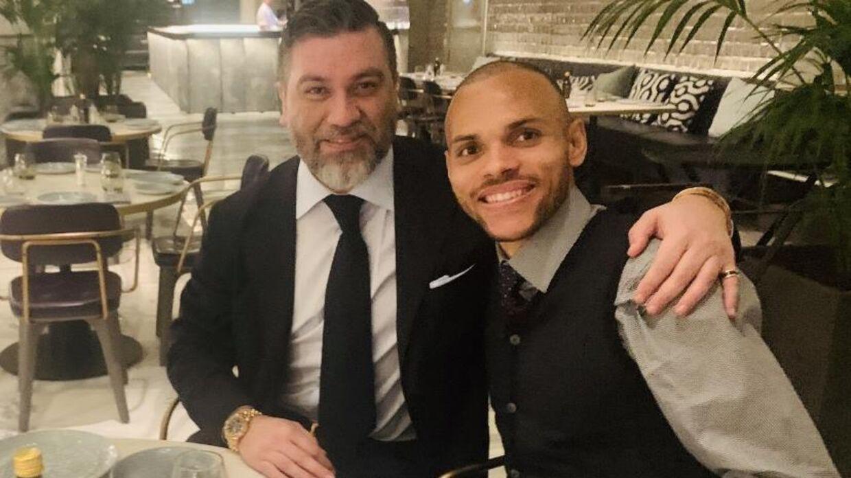 Hasan Cetinkaya og Martin Braithwaite afviser begge, at der er skrevet under på en klausul, der gør, at Barcelona vil sælge ham allerede til sommer.
