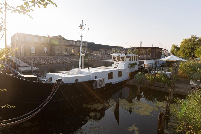 Holmen (husbåd)
