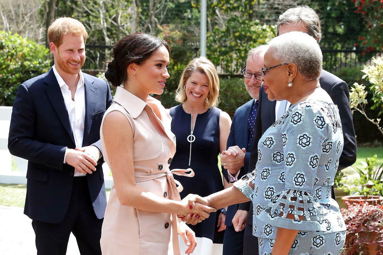 Prins harry og hertuginde Meghan, der snart offiicielt takker af fra det royale liv, nåede lige at tage på en officiel tur til Sydafrika i efteråret.