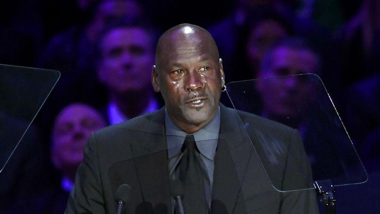 Michael Jordan kunne ikke holde tårerne tilbage, da han skulle mindes Kobe Bryant, som han kaldte for sin 'lillebror'.