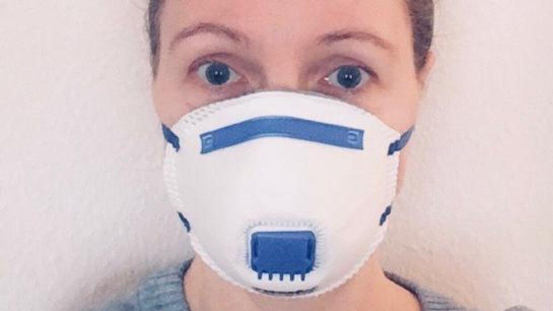 Bendine Frederiksen fra Vorbasse lider af en sygdom, der svækker hendes immunforsvar. Hun har indkøbt en ansigtsmaske, som hun vil tage på, når hun skal ud, hvis Corona-virus spreder sig i Danmark.