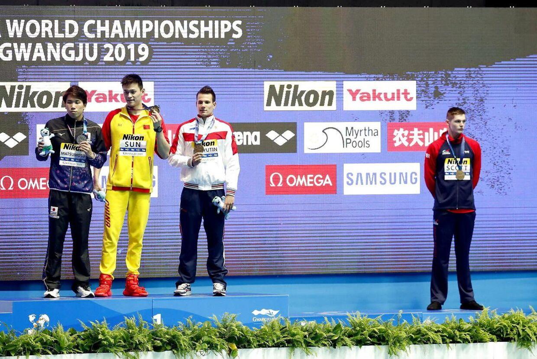 Svømmeren Duncan Scott at dele podium med Sun Yang sidste år ved VM i Sydkorea.