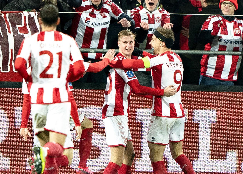 AaB's Oliver Klitten har scoret til 2-0 i pokalkvartfinalen mod FC København.