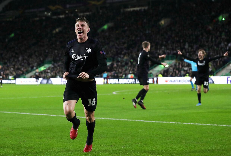 Pep Biel fejrer den vigtige scoring mod Celtic.