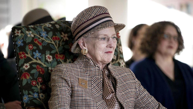 Dronningen aflyser sin fødselsdagsfejring.