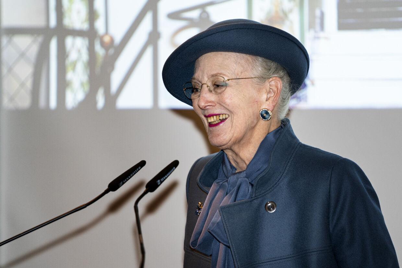 Dronning Margrethe vendte torsdag hjem fra vinterferie i Norge, og hun tager foreløbig residens på Fredensborg Slot. Der bliver ingen officielle fejringer af majestæten, når hun 16. april fylder 80 år, på grund af situationen med coronavirus. (Arkivfoto) Ida Guldbæk Arentsen/Ritzau Scanpix