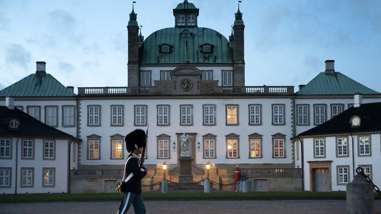 Fredensborg Slot, hvor Dronningen opholder sig.
