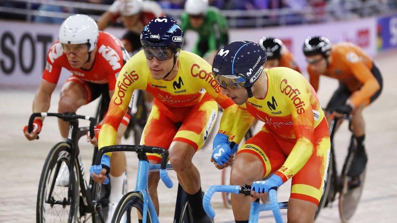 Cykelløb suspenderes i tre uger.