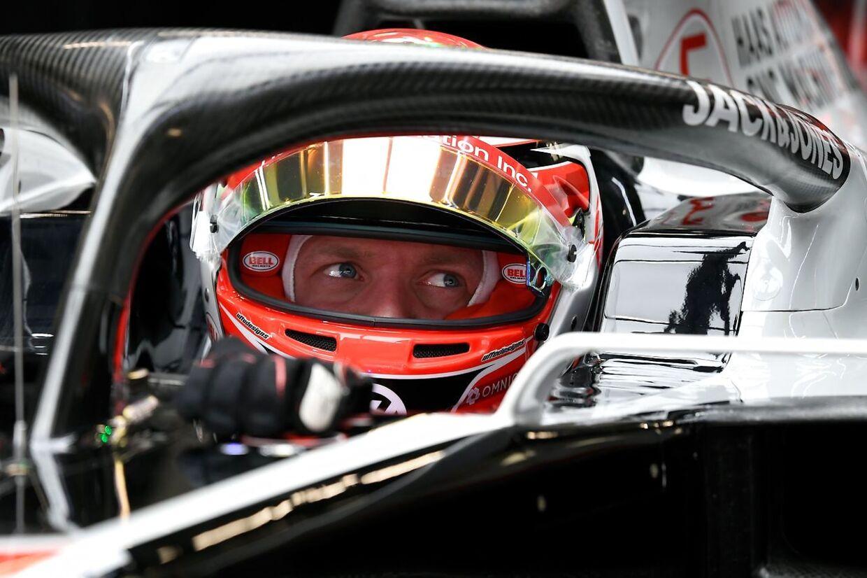 Det er fortsat meget uvist, hvornår Kevin Magnussen og alle de andre Formel 1-stjerner kommer i aktion igen