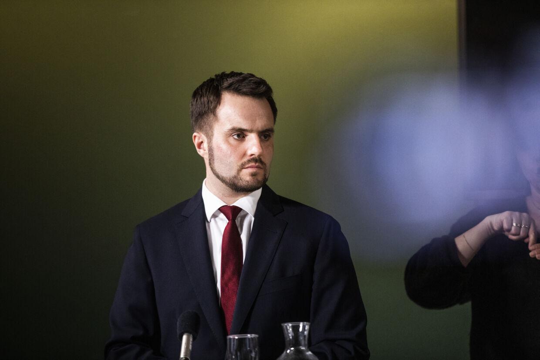 Erhvervsminister Simon Kollerup (S) er en af de ministre, der er på overarbejde i disse dage for at komme med tiltag, der kan hjælpe virksomheder i coronakrisen. (Arkivfoto) ólafur Steinar Rye Gestsson/Ritzau Scanpix