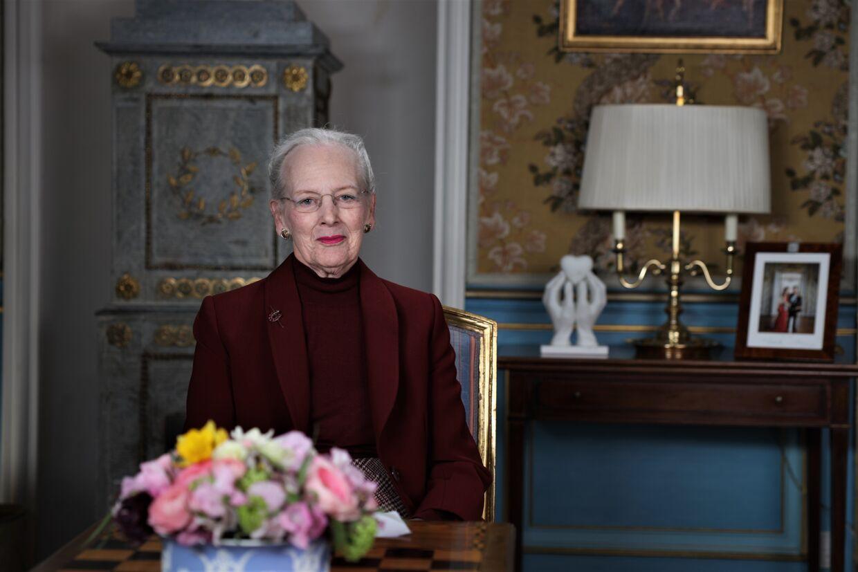 Dronning Margrethe havde tirsdag en appel til danskerne om at tænke sig om og følge myndighedernes råd.