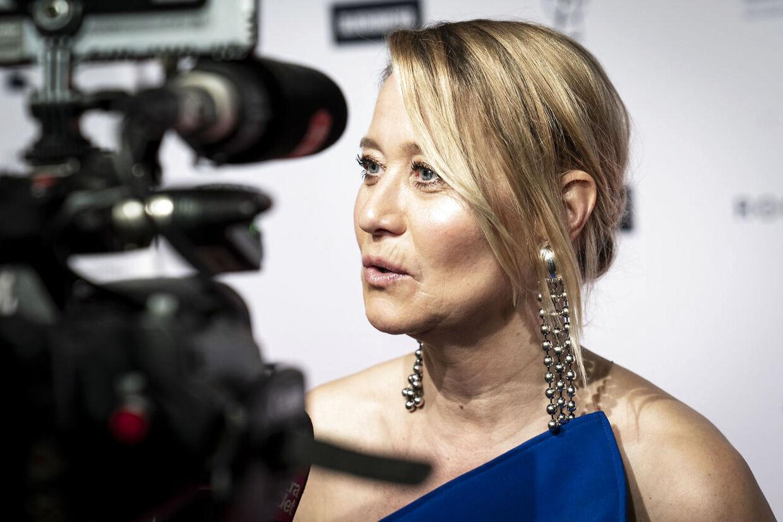 Trine Dyrholm skulle spille hovedrollen i filmen 'Dronning Margrete den Første', men optagelserne er standset pga. corona.