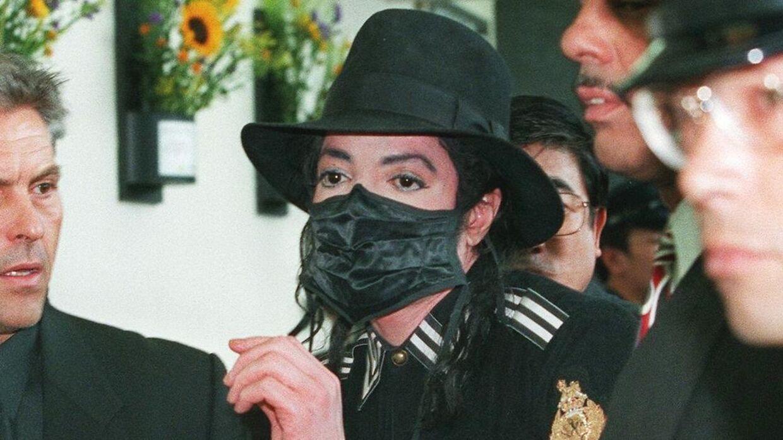 Michael Jackson benyttede ofte mundbind, når han var ude i offentligheden.