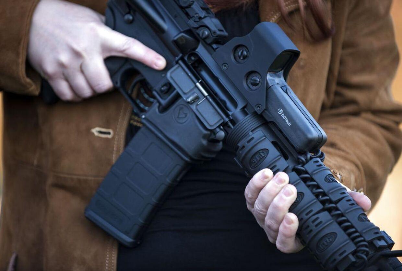 USA's rigeste har hyret svært bevæbnede vagtværn, der skal beskytte dem, når de går under jorden. Her i Berryville, Virginia.