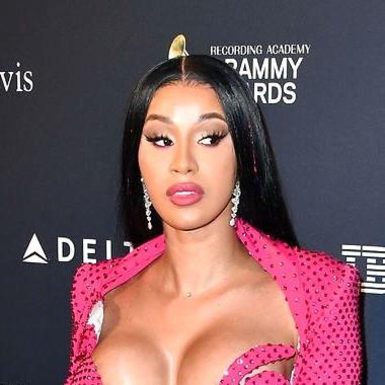 Den amerikanske rapper mener, at de kendisser, der siger de har corona, sikkert er betalt for at sige det.